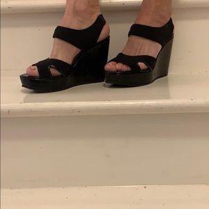Adrienne Vittadini Platform patent shoes 6.5